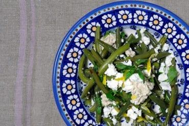 Grüne Bohnen mit Feta und Nusssoße  GourmetGuerilla.de