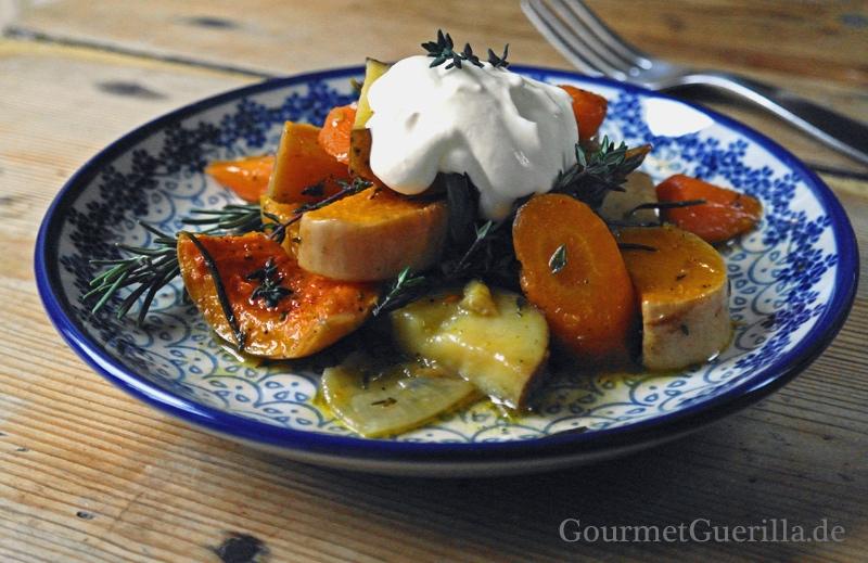 Schusterkarbonade mit Butternutkürbis, Karotte, Kartoffel und Ziegendip |GourmetGuerilla.de