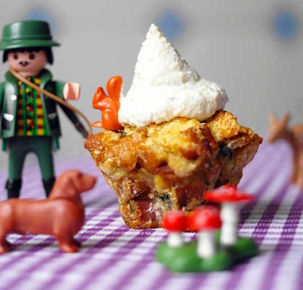 Semmelknödel-Muffins mit Bergkäsegipfeln |GourmetGuerilla.de