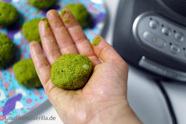 Smaragdgrüne Erbsen- Falafeln |GourmetGuerilla.de