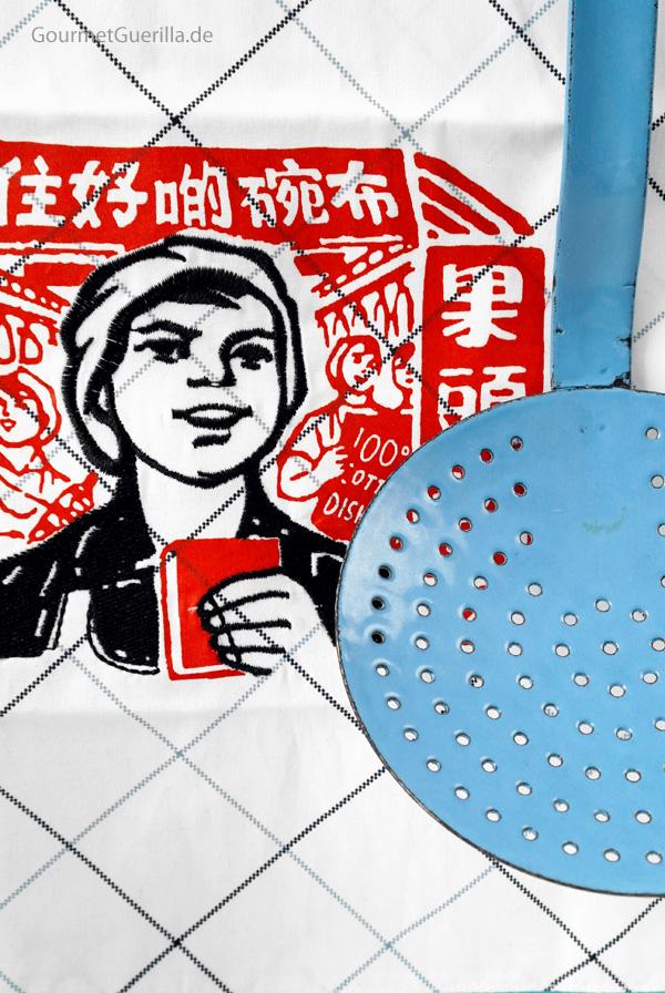 Blaue Schaumkelle Asia retro