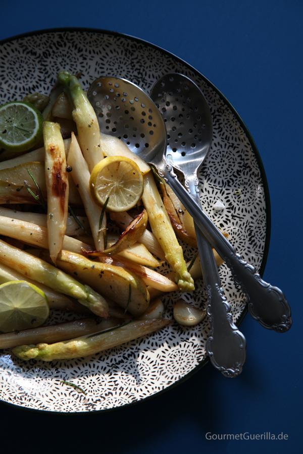 Gebratener Spagel mit Birne, Rosmarin und Knoblauch #rezezpt #gourmetguerilla #vegan