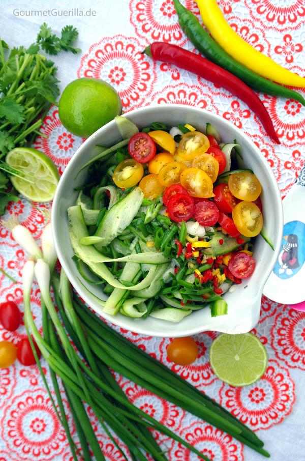 Scharfer Gurkensalat #gourmetguerilla #rezept #vegan