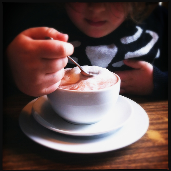 Oberhafenkantine Kakao mit Milchschaum