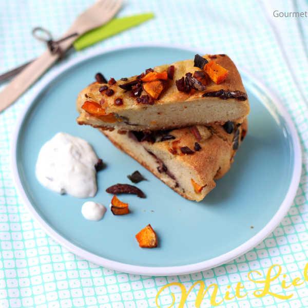 Brotkranz mit Kürbis, Schinken, Oliven und Salbei #rezept #gourmetguerilla #mitliebe