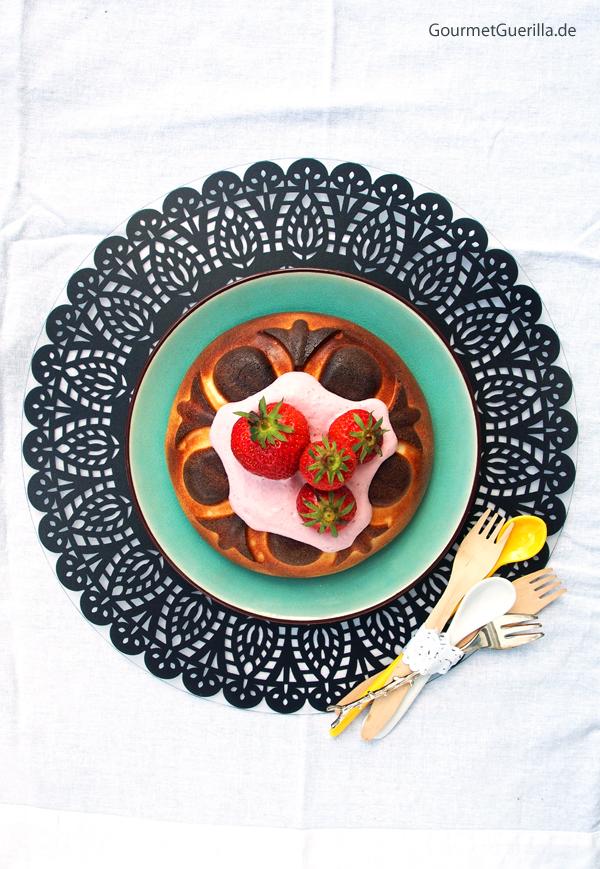 Low Carb Käsekuchen mit Erdbeer-Rosmarin-Quark |GourmetGuerilla.de