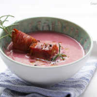 Herbstrosa Apfel-maronensuppe mit handfesten Schinken-Croutons #rezept #herbst #gourmetguerilla #maronen