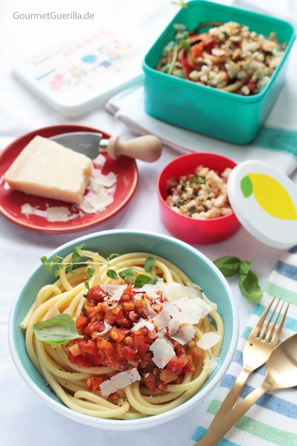 Makkaroni mit Linsen-Bolognese #rezept #vegan #gourmetguerilla #linsen