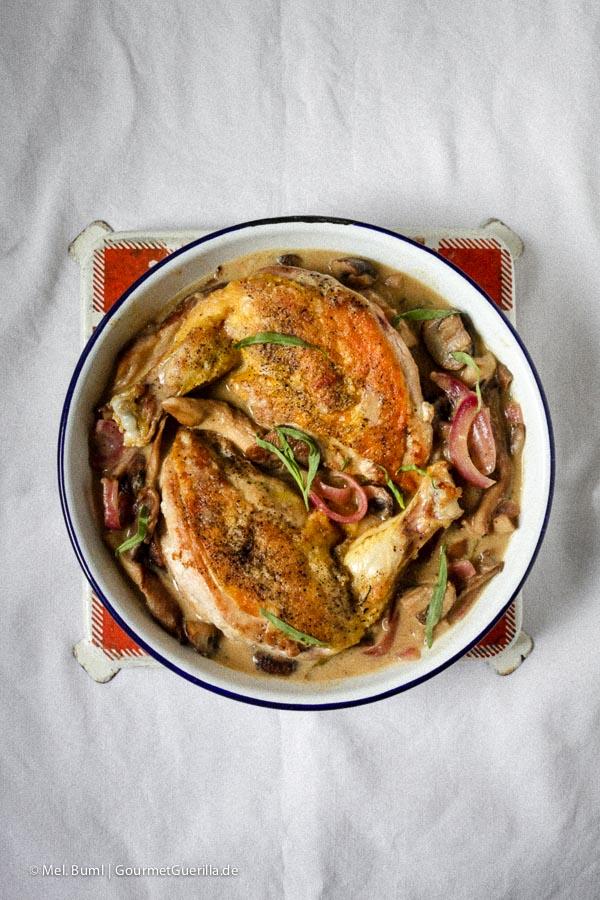 Dijon-Hühnchen in Weißweinsoße mit Estragon und einem Splash Brandy #rezept | GourmetGuerilla.de