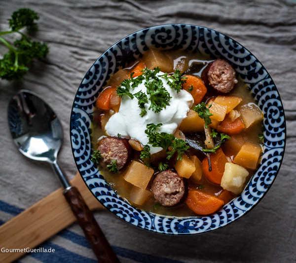 Steckrübeneintopf mit Mettwurst –das perfekte Winteressen |GourmetGuerilla.de