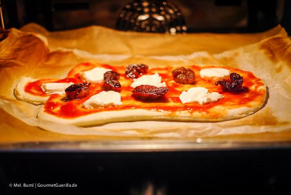 Weihnachtspizza: Glocken-Pizza mit Feigen und Mozzarella backen |GourmetGuerilla.de