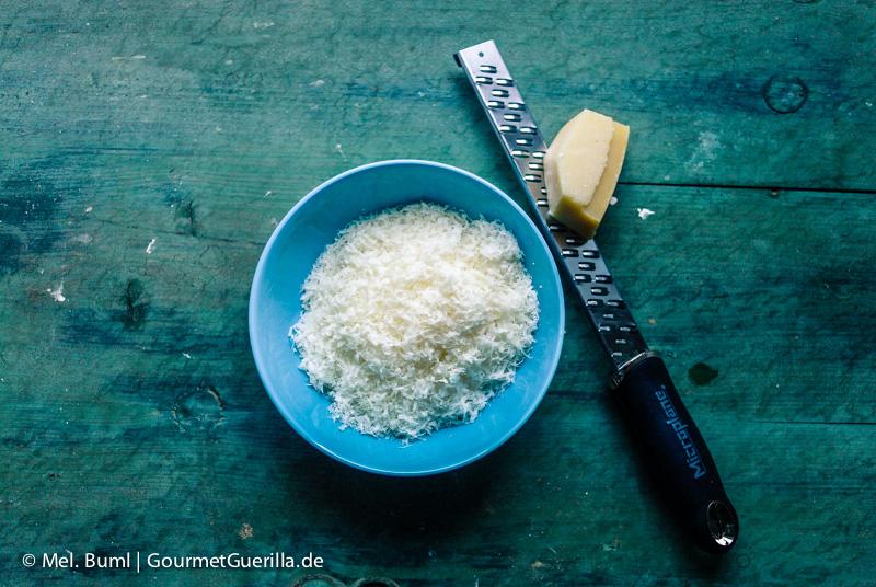 Parmesan für Low Carb Zucchini-Quark-Lasagne |GourmetGuerilla.de