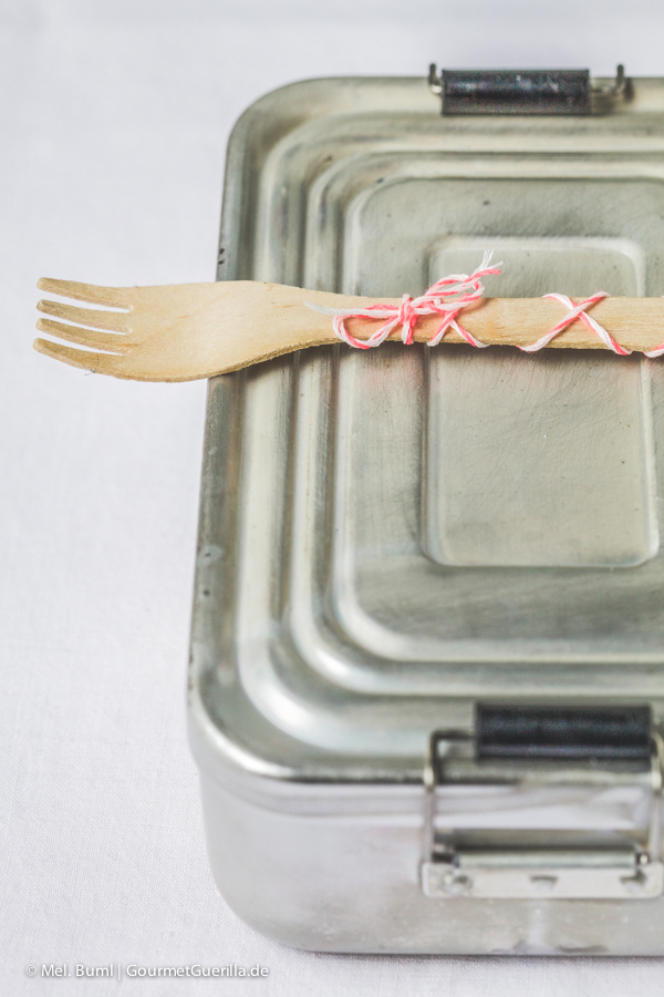 Spicy Asia-Spaghetti-Salat mit knackigem Gemüse und Erdnüssen  GourmetGuerilla.de