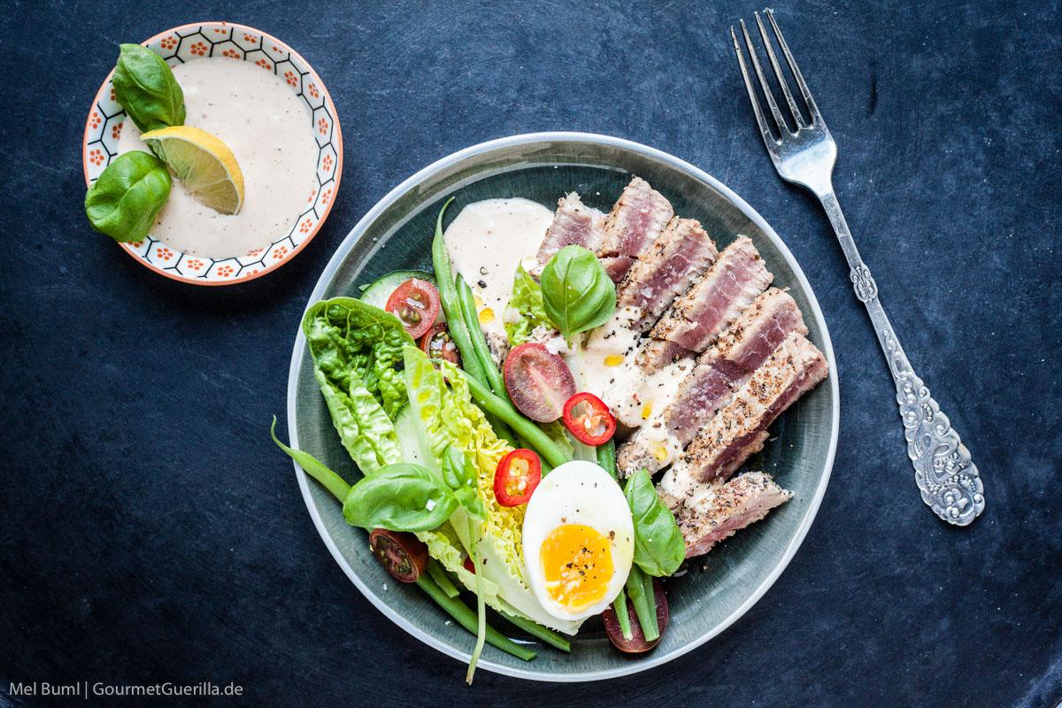 {LCHF-Rezept} Blackened Tuna Salat mit Habanero-Limetten-Dressing |GourmetGuerilla.de