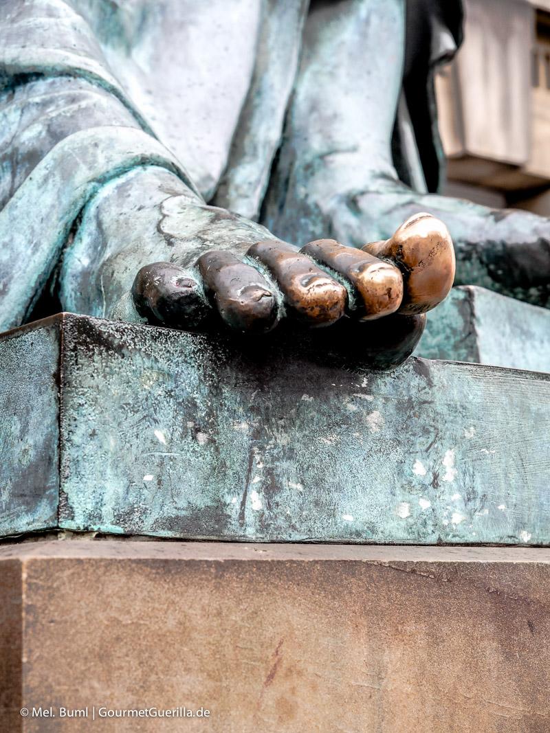 Kurz-Tripp Edinburgh High Street Denkmal Hume|GourmetGuerilla.de