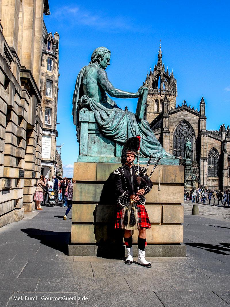 Kurz-Tripp Edinburgh Dudelsackspieler |GourmetGuerilla.de