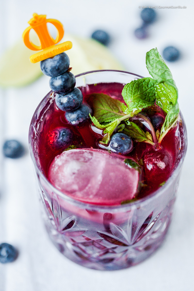 {Low Carb} Virgin Blaubeer Aronia Mojito Cocktail | GourmetGuerilla.de