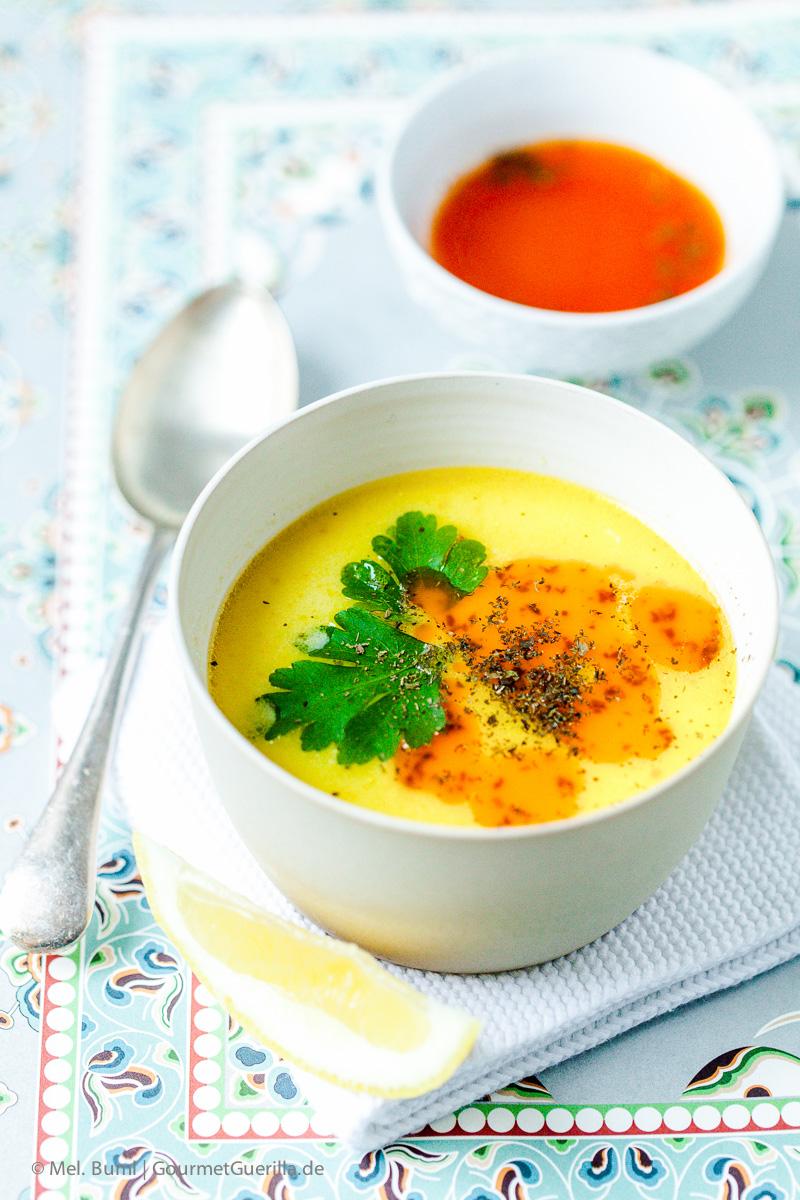 Türkische Hühnersuppe mit Joghurt und Paprika-Minz-Butter |GourmetGuerilla.de