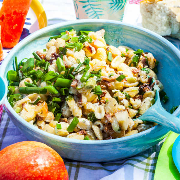 Nudelsalat mit Apfel, Bacon und Ziegenfrischkäse- Dressing |GourmetGuerilla.de