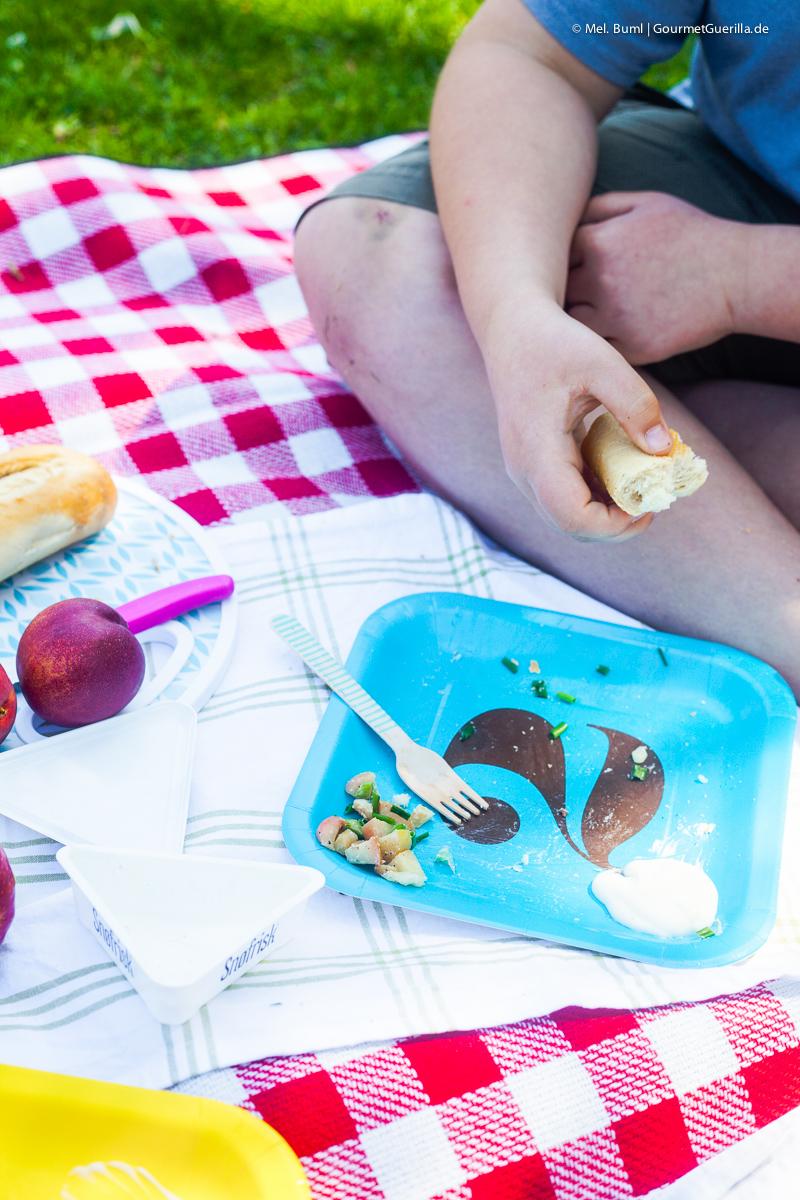 Picknick - Nudelsalat mit Apfel, Bacon und Ziegenfrischkäse- Dressing |GourmetGuerilla.de