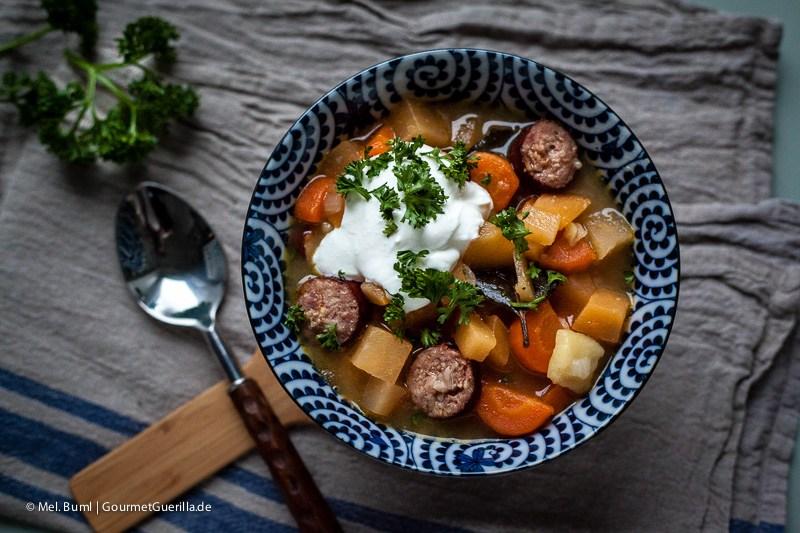 Steckrübeneintopf mit Mettwurst |GourmetGuerilla.de