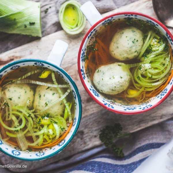 Omas Klare Suppe mit Grießklößchen |GourmetGuerilla.de