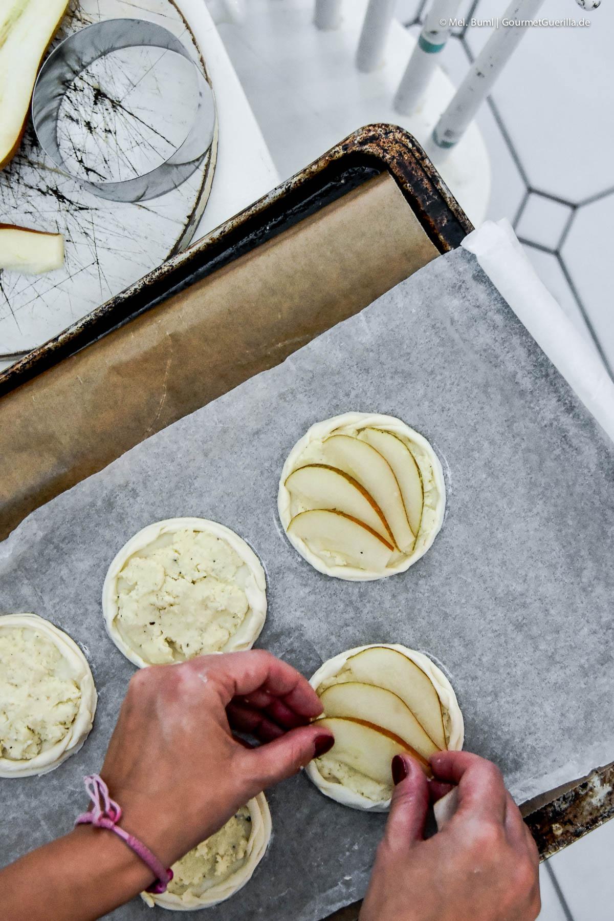 Making Kleine Käse-Birnen-Quiche mit schnellem Birnen-Kardamom-Sorbet |GourmetGuerilla.de