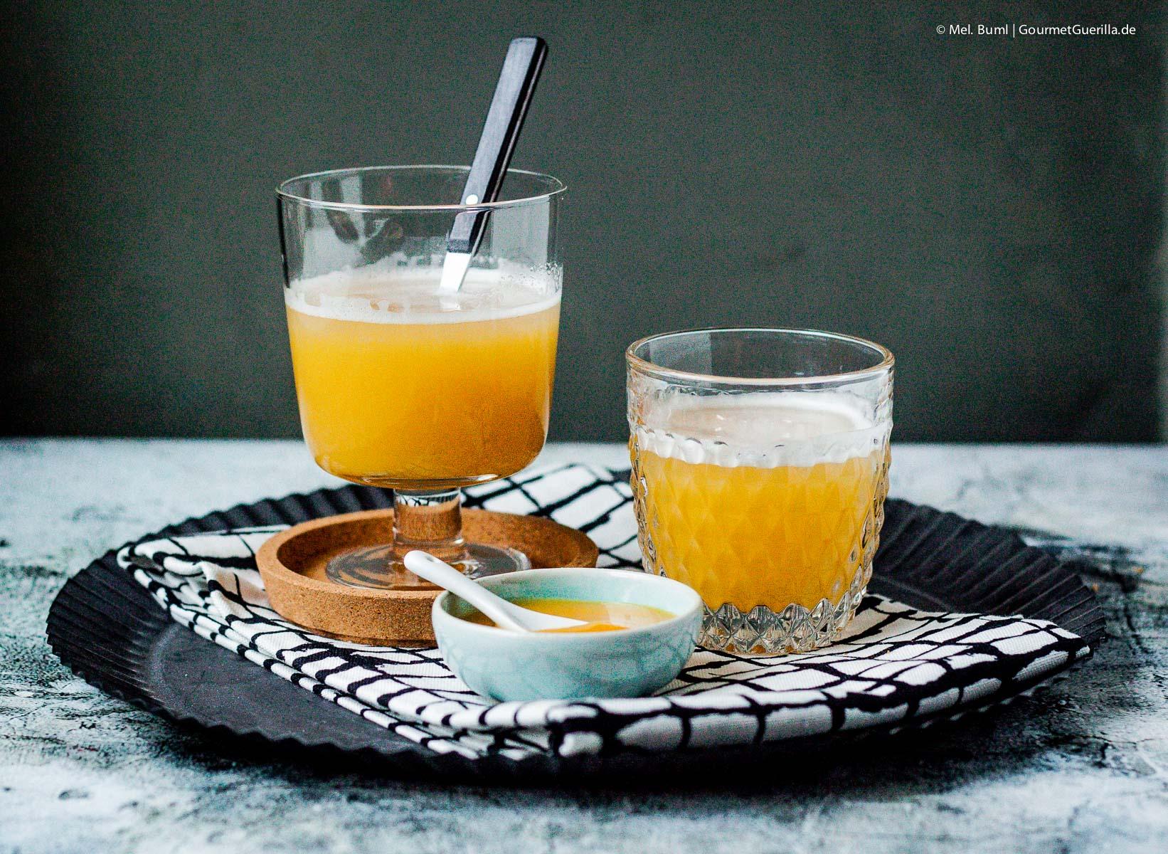 vanilla pumpkin thriller ein s ffiger halloween cocktail mit k rbis und wodka gourmetguerilla. Black Bedroom Furniture Sets. Home Design Ideas