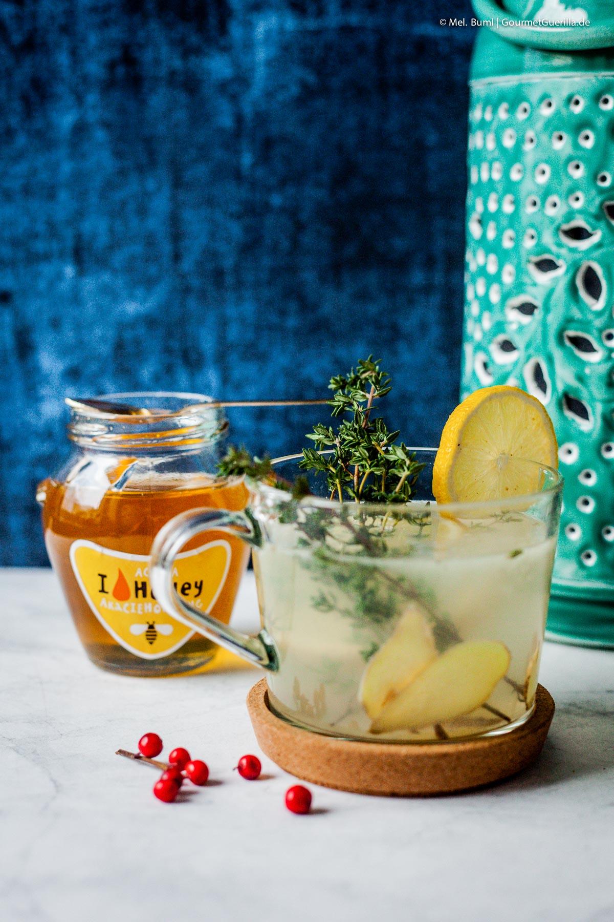 Thymian-Zitrone mit Ingwer und 4 Rezepte für schnelle und süffige selbstgemachte Tees für Herbst und Winter.