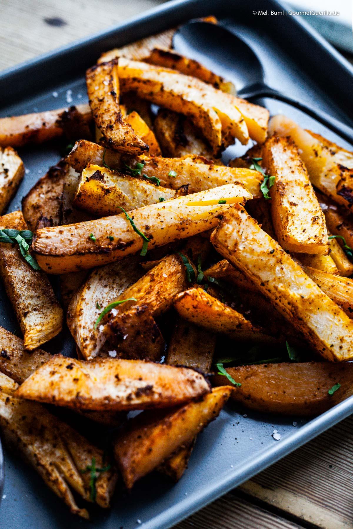 Chunky Steckrübe vom Blech - so low carb und so einfach |GourmetGuerilla.de