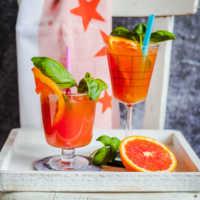 Blutorangen-Basilikum-Mocktail. Ein spritziger alkoholfreier Cocktail |GourmetGuerilla.de