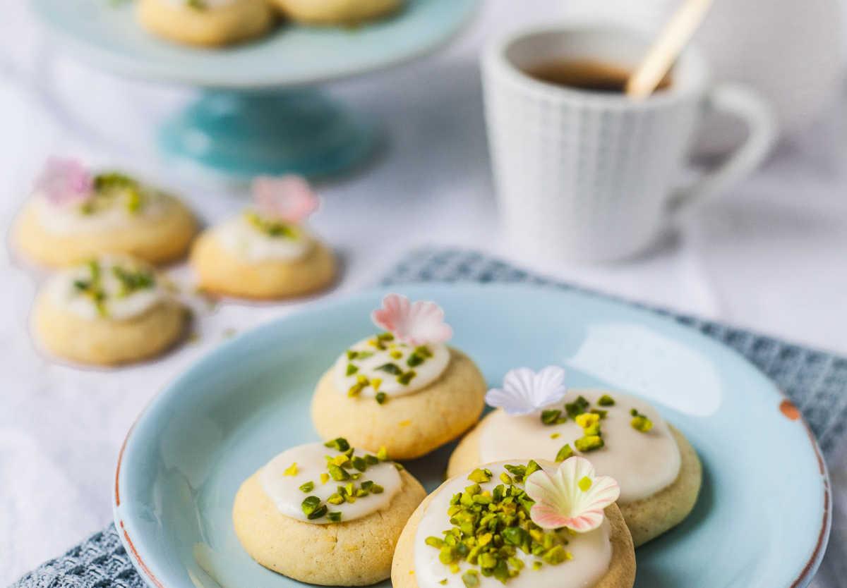 Frühlings- Mailänderlis mit Orange und Pistazien - luftigleichte Dessert-Kekse |GourmetGuerilla.de