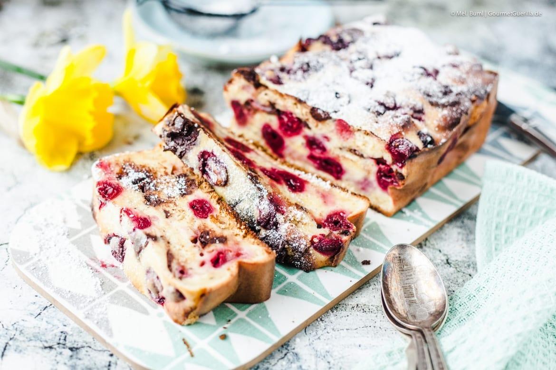 Arme-Ritter-Kuchen mit Kirschen und Schokolade - Resteverwertung für Brioche, Osterzopf und Süße Brötchen |GourmetGuerilla.de