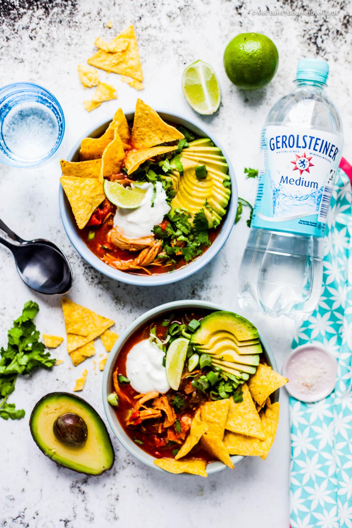 Mexikanische Tortilla-Suppe mit Avocado und Chipotle |GourmetGuerilla.de