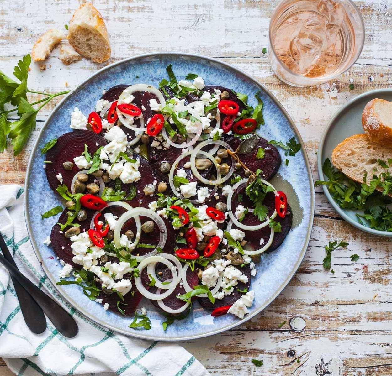Rote Bete Salat mit Kapern und Feta - in 5 Minuten auf dem Tisch  GourmetGuerilla.de