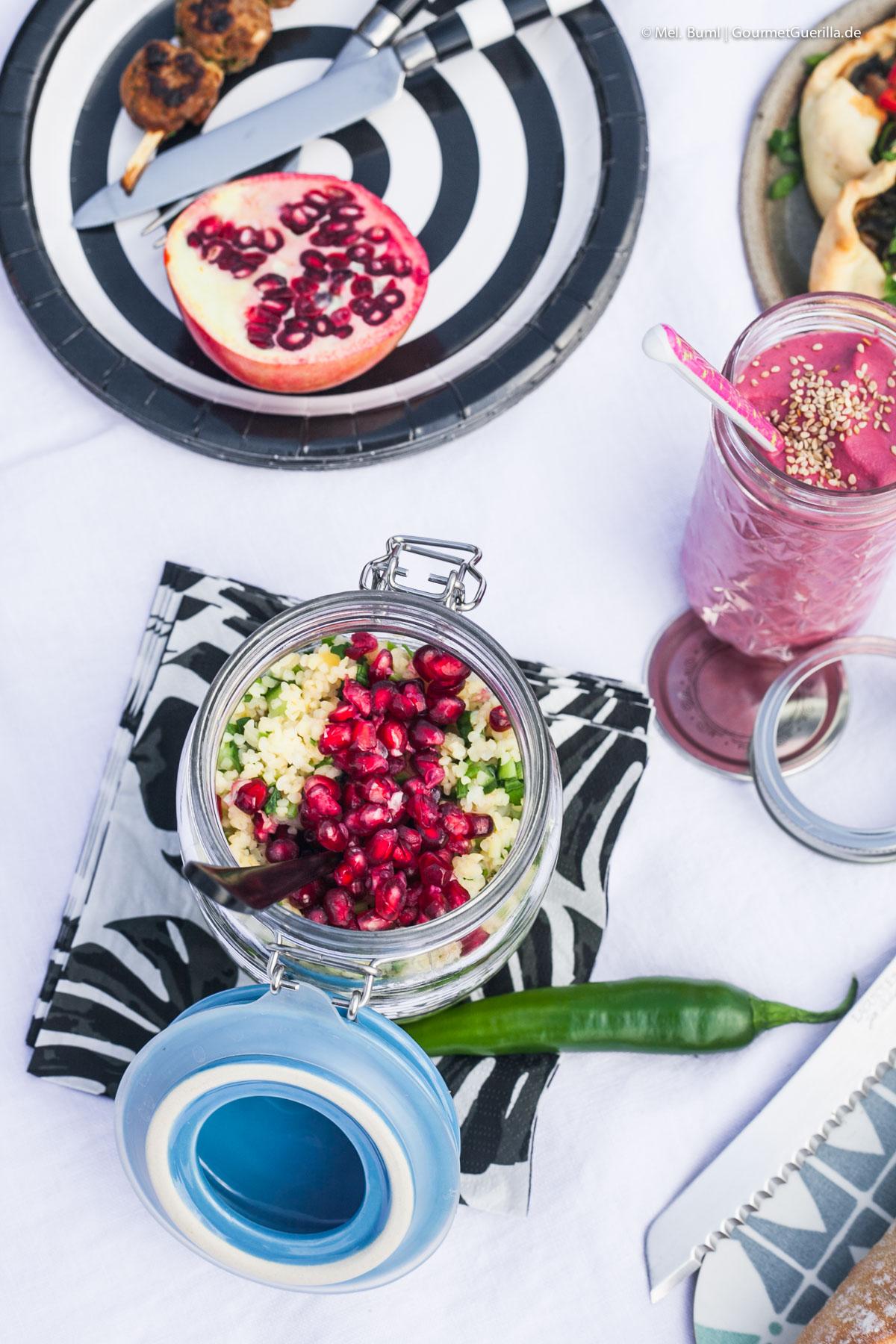 Grüner Bulger-Salat mit Granatapfel - Ein Picknick für zwei mit vier leckeren Rezeptideen |GourmetGuerilla.de