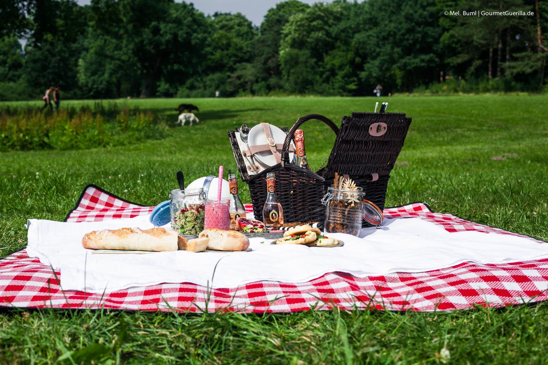 ein picknick f r zwei mit vier leckeren rezeptideen und. Black Bedroom Furniture Sets. Home Design Ideas