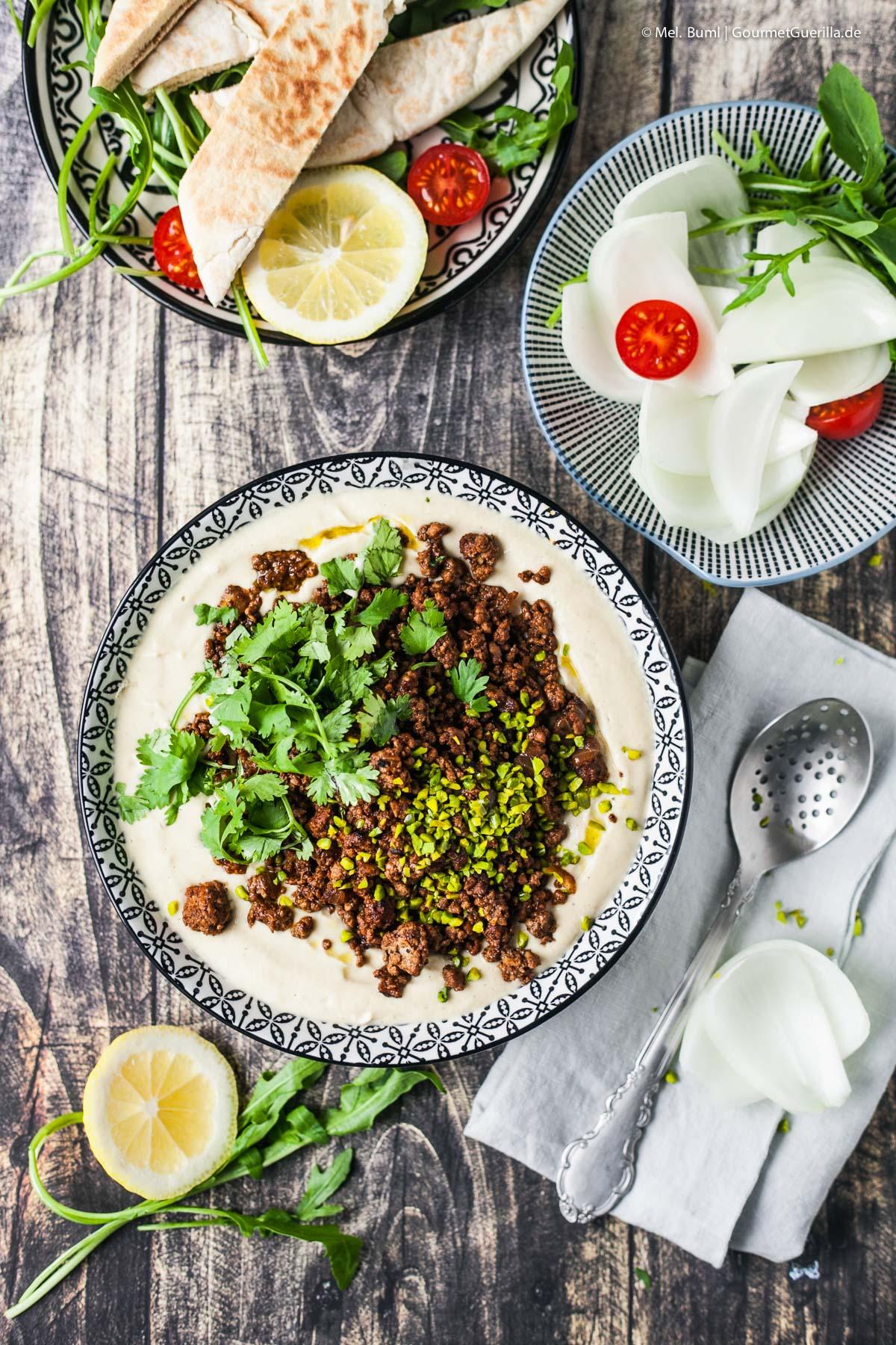 Hummus Jerusalem-Style mit pikantem Rinderhack und Pistazien |GourmetGuerilla.de