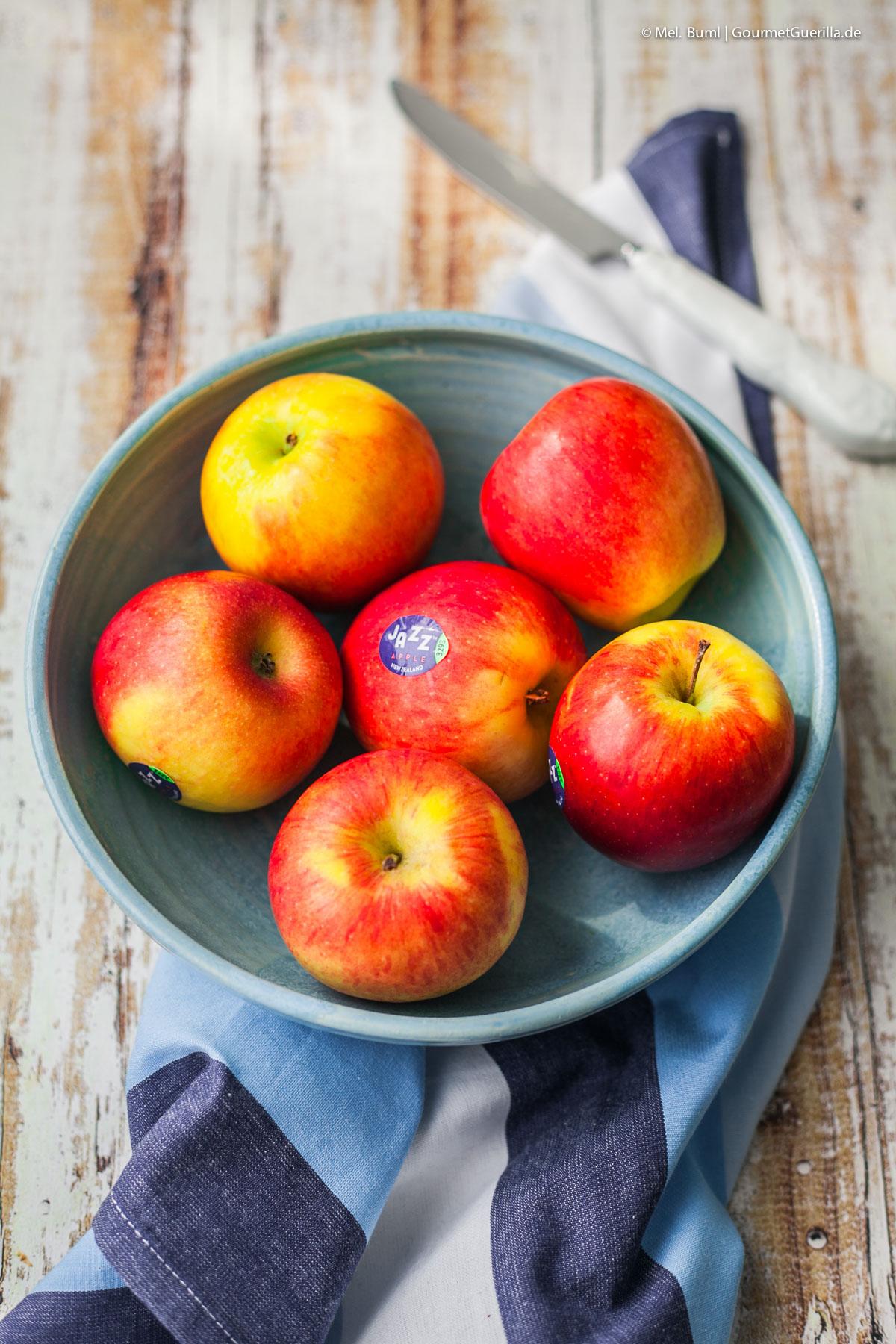 Jazz Äpfel für Feiste Stulle mit Camenbert, karamellisiertem Apfel und Mango-Chuntey |GourmetGuerilla.de