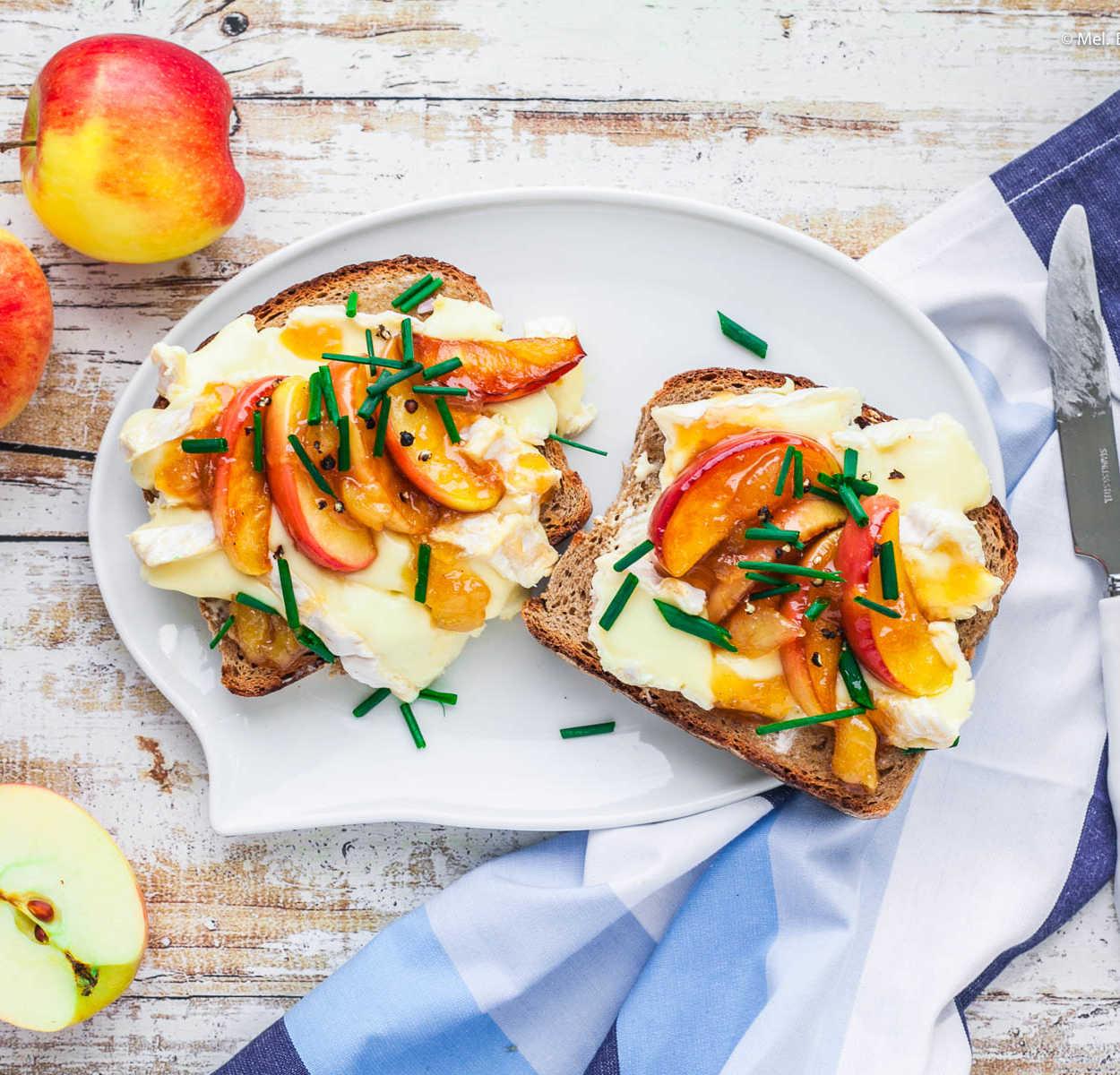 Feiste Stulle mit Camenbert, karamellisiertem Apfel und Mango-Chuntey |GourmetGuerilla.de
