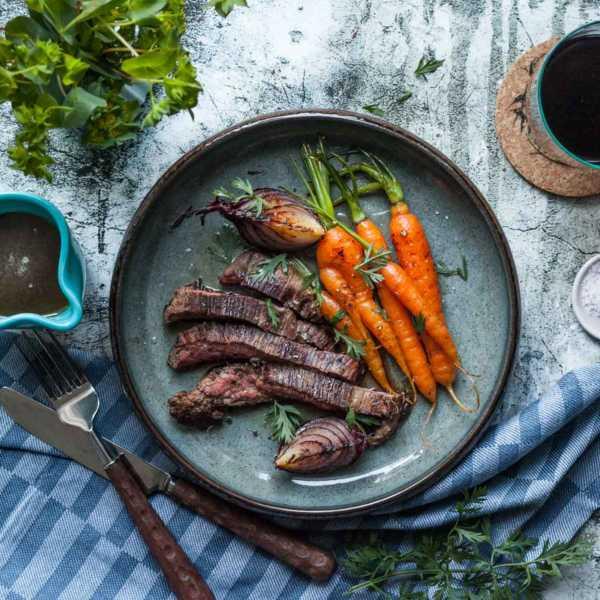 Irish Beef Flank Steak mit Whiskey-Honig Soße und gebratenen Wurzeln |GourmetGuerilla.de