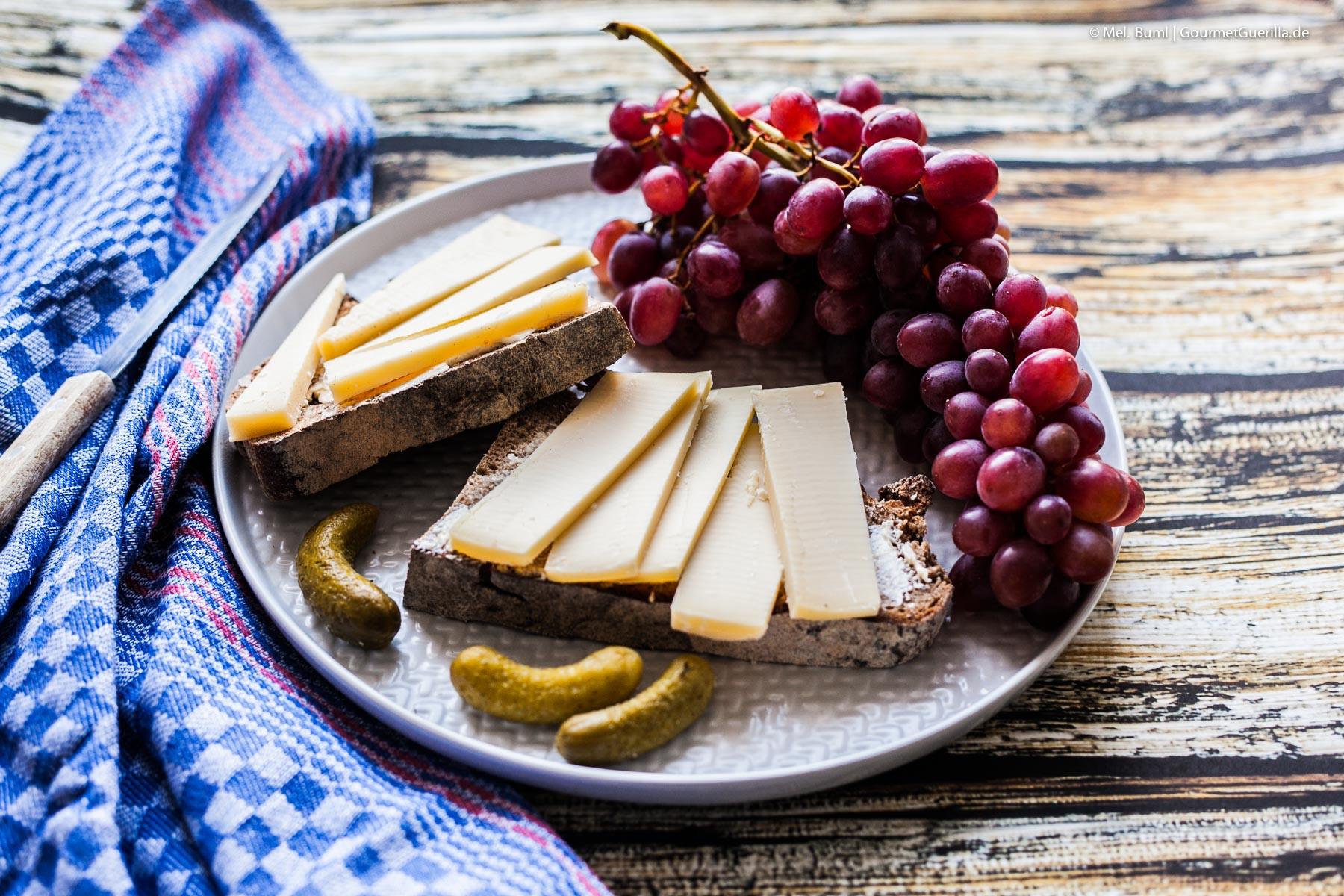 Käsestulle zum Abendbrot mit pikanter Zitronenmarmelade |GourmetGuerilla.de