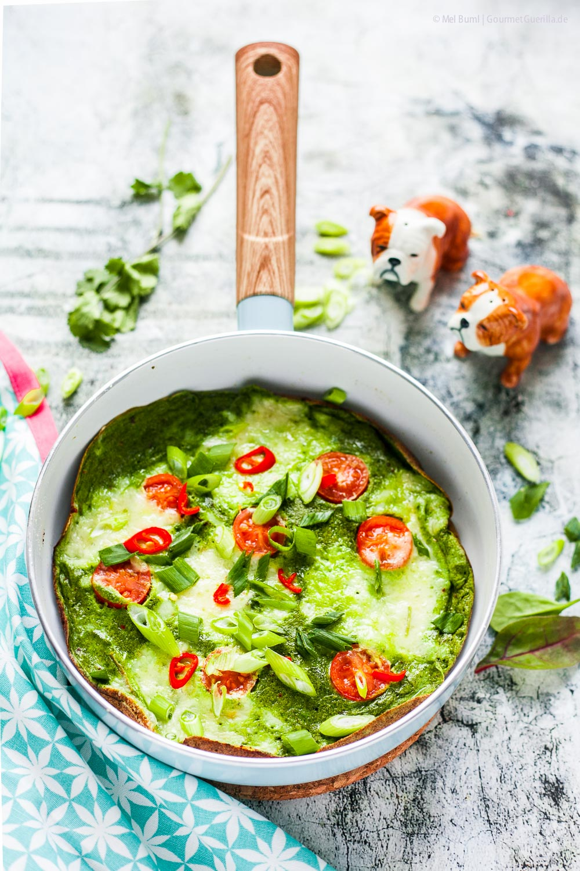 Grünes Omelett mit Tomaten und Käse - schnelles und einfaches Resteessen |GourmetGuerilla.de