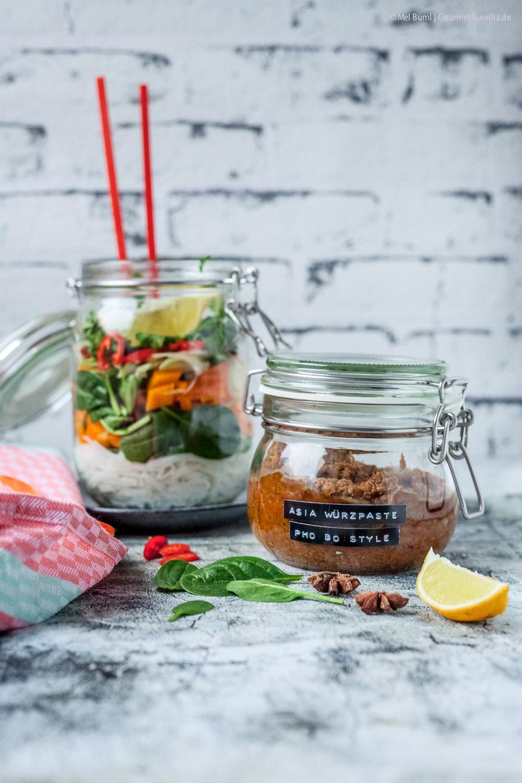 Selbstgemachte Würzpaste Pho Bo Style für Asiatische Instant Nudelsuppen |GourmetGuerilla.de