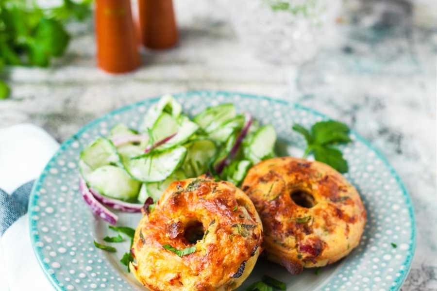 Herzhafte Apfelküchli aus dem Ofen mit Käse und Schinken Heumilch Rezept |GourmetGuerilla.de