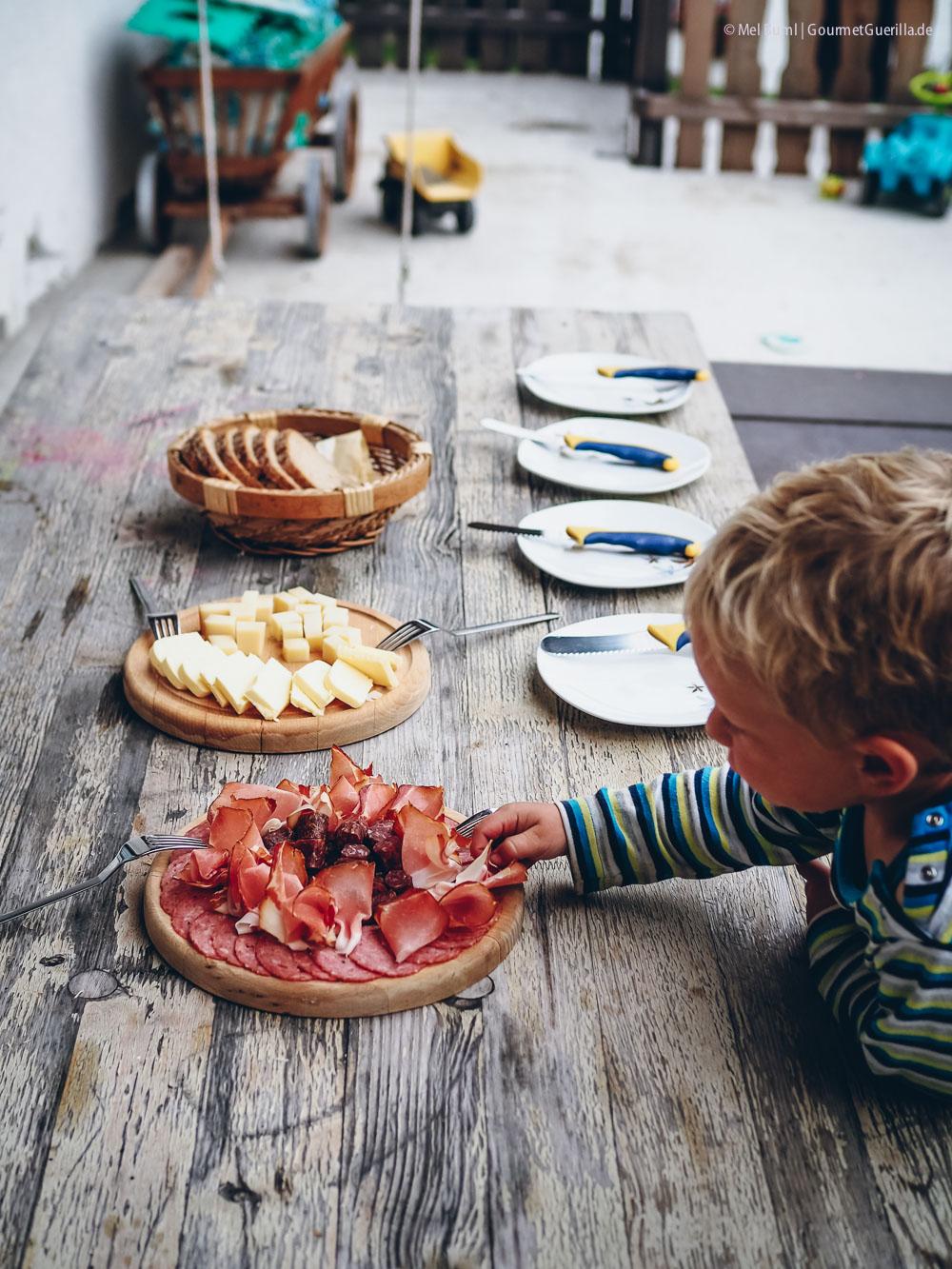 Jause Ahornhof Österreich Sennermeetsblogger | GourmetGuerilla.de