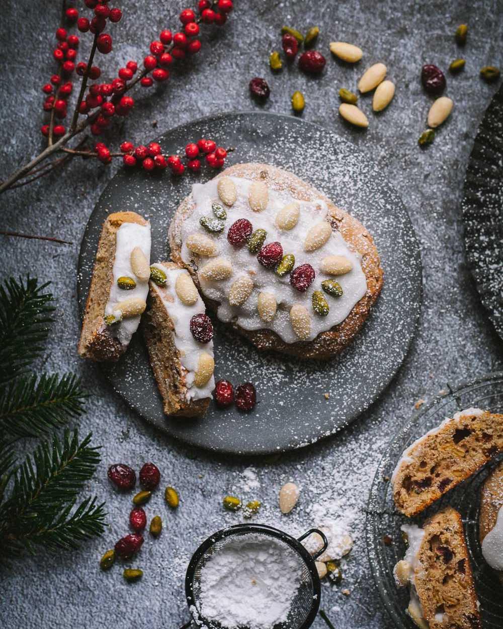 Kleine Mandel-Joghurt-Stollen mit Cranberries –schnelles Chrsitstollen-Rezept ohne Hefe  GourmetGuerilla.de