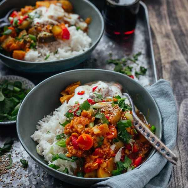Veganes Linsen-Stew Bollywood mit Herbstgemuese, Kraeutern und Ahornsirup |GourmetGuerilla.de