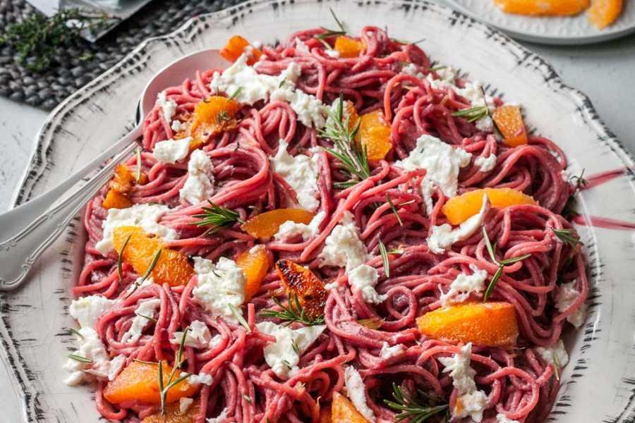 Pink Spaghetti mit spicy Orangen und Mozzarella Lee Krasner Food |GourmetGuerilla.de