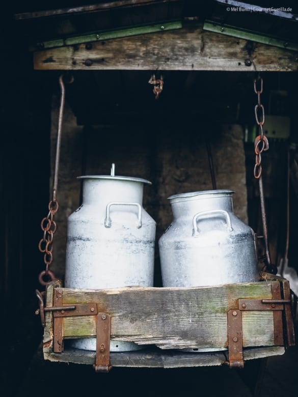 Die fliegenden Milchkannen der Bio-Sennerei Hatzernstaedt Heumilch g.t.S. #sennermeetsblogger  GourmetGuerilla.de